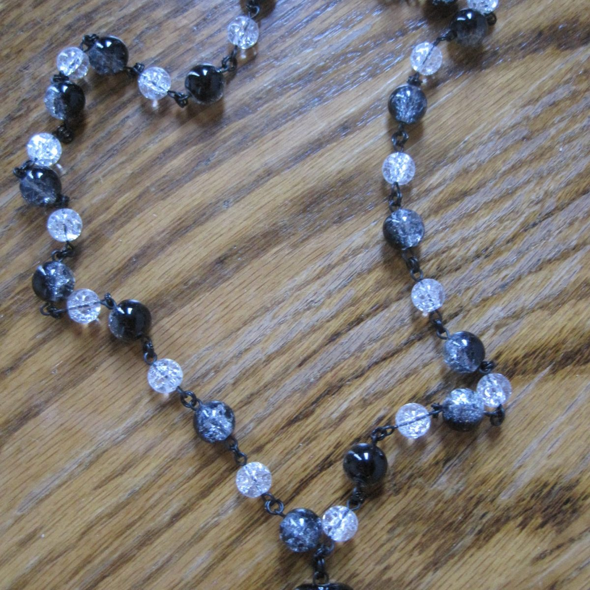 Black and White Crackle Dangle Necklace